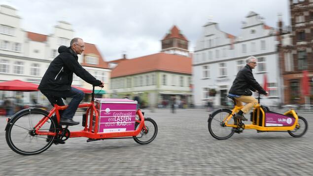 Unsuitable for the Kulturkampf: Cargo bike debate thrives on popcorn factor - politics