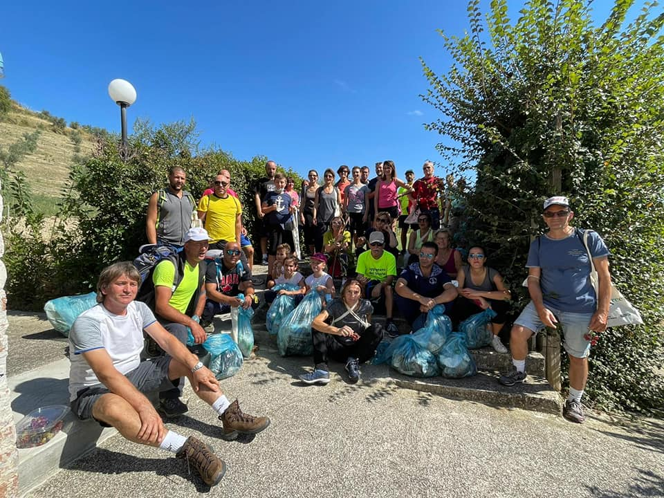 Ecological walk without plastic in Appignano del Tronto • First page online