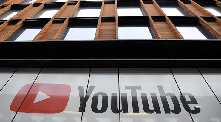 The 'ban' moves from YouTube to the fight against vaccines