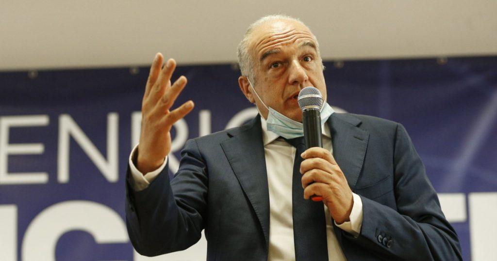 I dissociate myself from each word, Michetti downloads the candidate no vax - Il Tempo