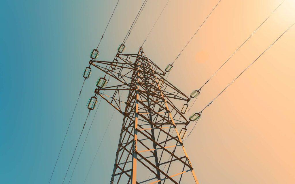 Le transport d'électricité sur des très longues distances est un enjeu clé pour la transition énergétique. © Petar, Adobe Stock