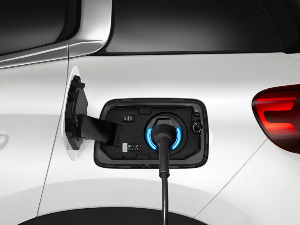 Plug-in hybrids: can they replace two cars at the same time?