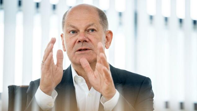 """SPD chief's unsuccessful appeal: Scholz calls vaccinated people """"guinea pigs"""" - and receives criticism from Laschet - politics"""