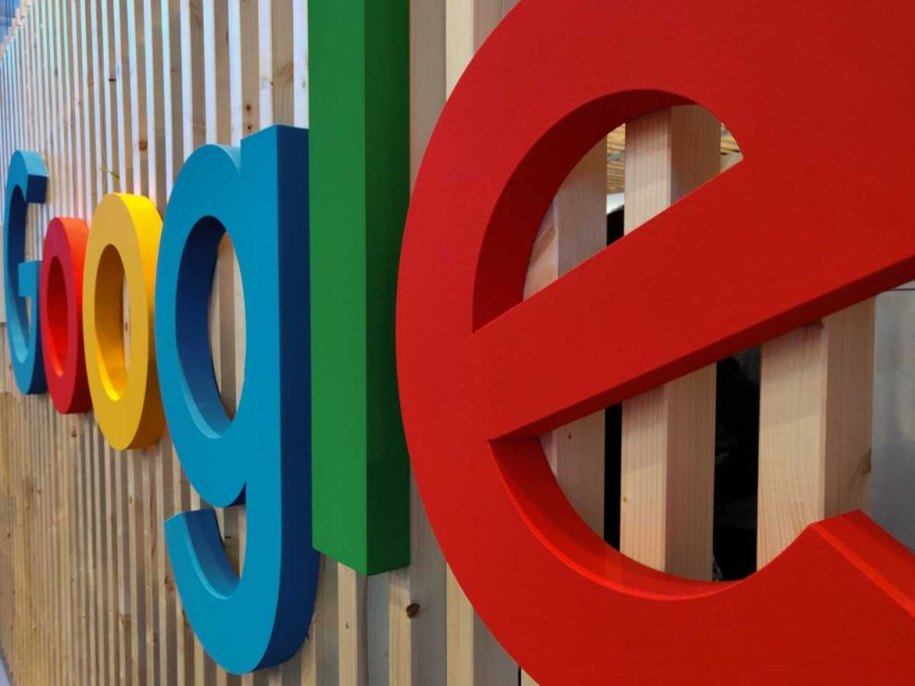 Bitcoin falls in Google searches, surprise impression.  For us it is a test of strength